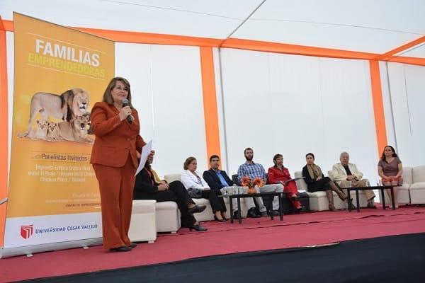 EMPRESAS FAMILIARES EXITOSAS PARTICIPARON DE CONVERSATORIO EN LA UCV