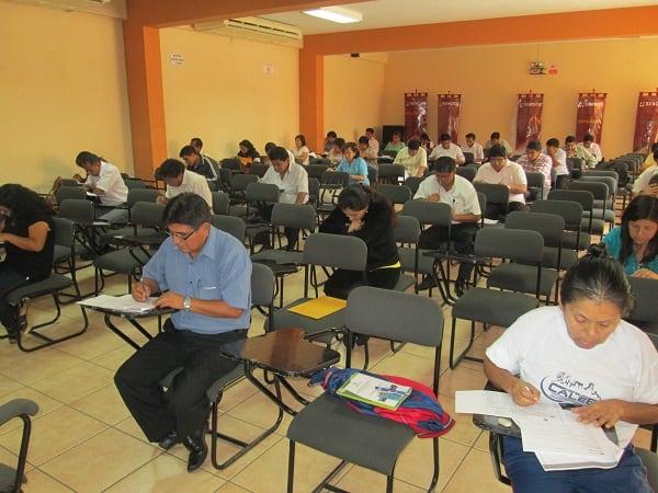 24 docentes aprueban examen en Universidad de Piura