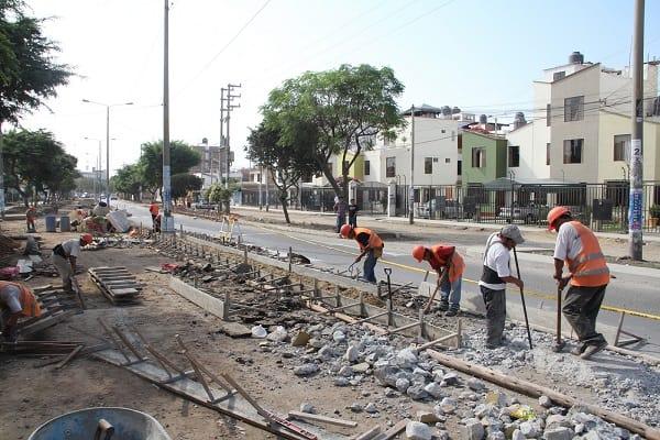Continúan los trabajos en la avenida Mansiche