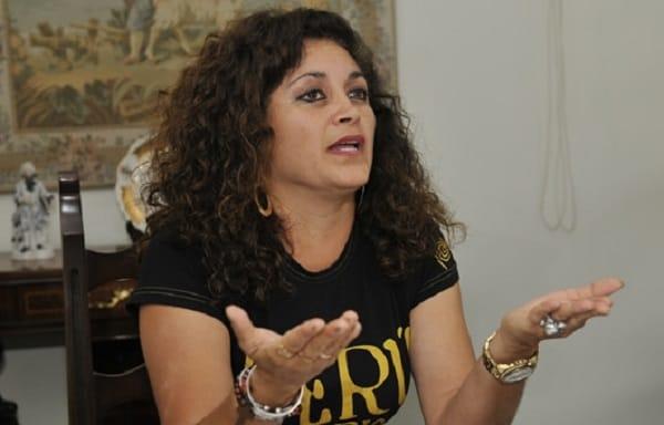 Destituyen a Teresita Bravo como directora regional de Cultura