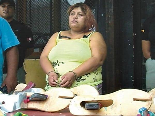 Intentan ingresar celulares en hormas de zapatos al penal El Milagro