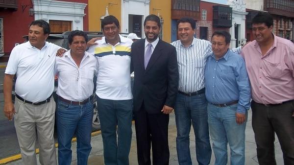 Lanzan candidatura de Luis Carlos Santa María a la provincial