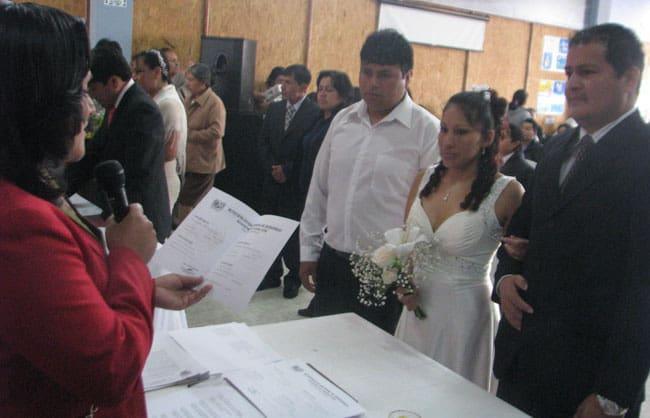 Primer-matrimonio-civil-comunitario-en-el-distrito-de-Huanchaco