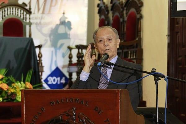 Richard Web El Perù necesita altos impuestos para combatir la extrema pobreza y la alta inseguridad ciudadana
