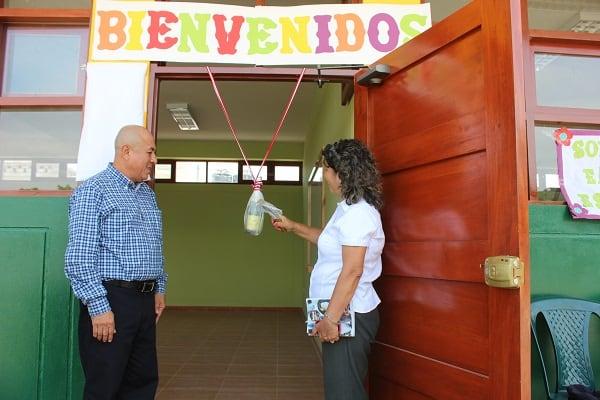 inauguró la construcción de dos modernas aulas EN cASA gRANDE