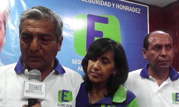 ELIDIO ESPINOZA PRESENTÓ A LOS VOCEROS DE SU MOVIMIENTO