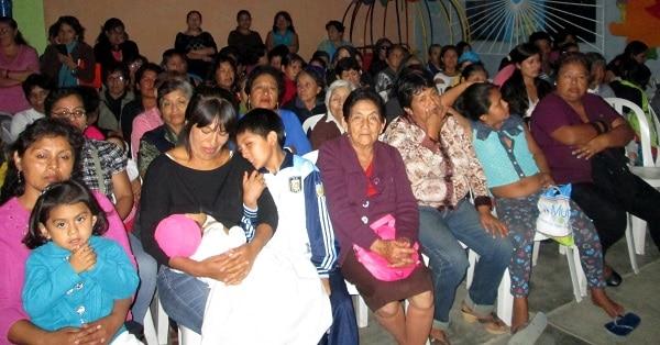 JUNTAS VECINALES DE SEGURIDAD CIUDADANA DE BELLAVISTA AGASAJARON A MADRES EN SU DIA