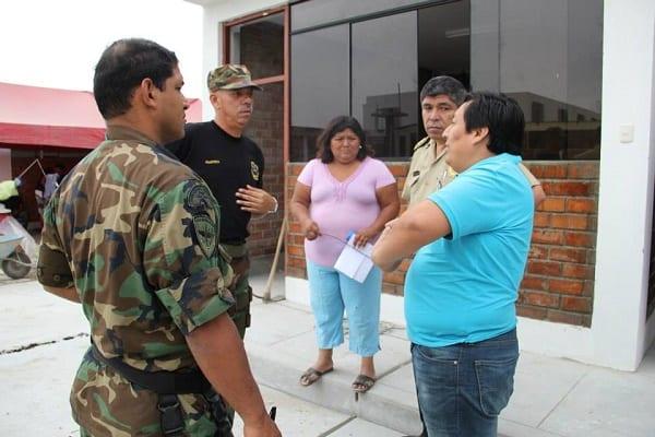 MINISTRO DEL INTERIOR ENTREGA 20 CAMIONETAS POLICIALES  E  INAUGURA DINOES EN EL PORVENIR