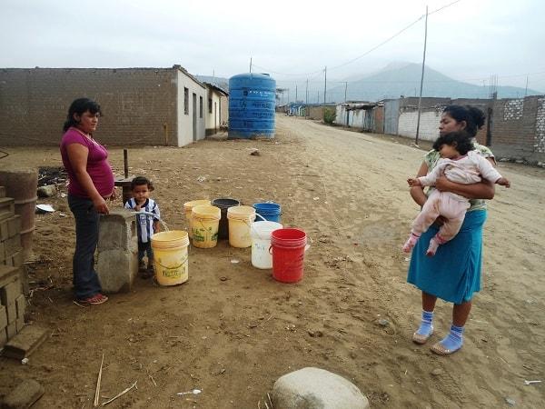 MPT reubica tanques para agua en AA HH de mayor pobreza