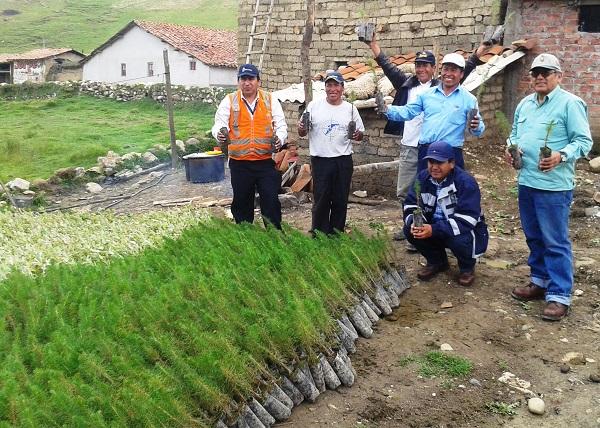 Minera Barrick inicia importante proyecto de forestación en Chuyugual
