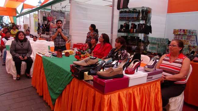 Rematan-calzado-y-artesanía-en-la-cuadra-8-del-Paseo-Pizarro