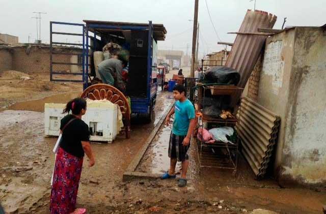 20-familias-pierden-sus-casas-por-fuerte-oleaje-en-Buenos-Aires