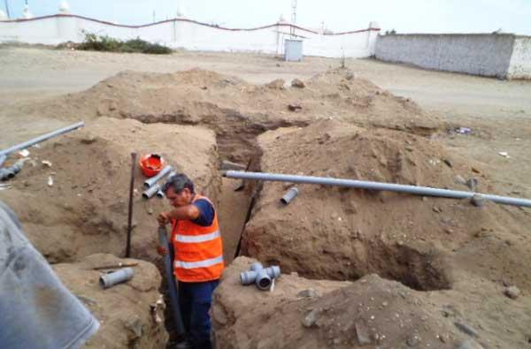 Amplían-red-matriz-de-agua-potable-en-Av-Cerro-La-Virgen,-de-Huanchaco
