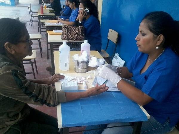 Atención gratuita de salud hubo en IE José Olaya de la Esperanza