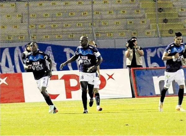 César Vallejo venció 3-2 al Cristal y alcanza la punta del Apertura 1
