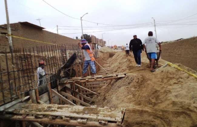 Construyen-muro-de-contención-en-Miramar-Moche