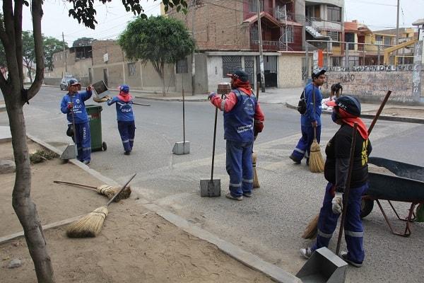 Erradican 20 toneladas de basura y desmonte de Los Granados y Chimú