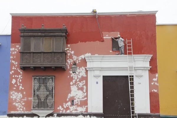 Piden limpiar y pintar fachadas de viviendas por Fiestas Patrias