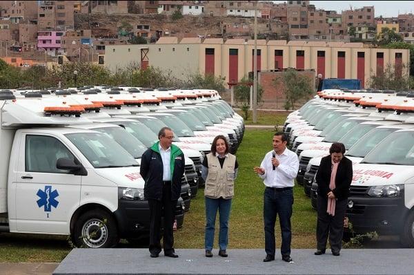 Presidente Humala entrega 149 ambulancias para fortalecer atención salud en centros de salud del país