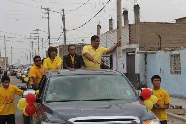 Con Melcochita y el Chato barraza, cierra campaña Gerson Gonzáles