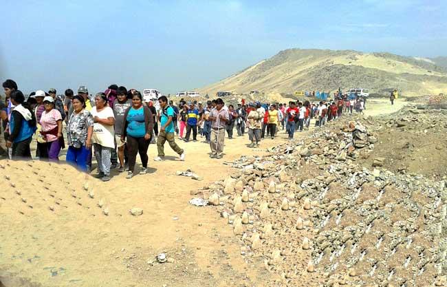 Desalojan-invasores-de-tierras-del-proyecto-Chavimochic-en-Laredo
