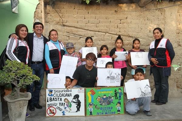 Enseñan a pintar a niños y jóvenes en El Milagro