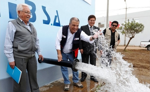Gobierno inaugura pistas, veredas y obras de saneamiento en Trujillo