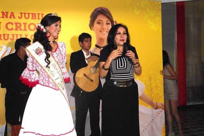 Noelia-I-es-la-reina-de-la-Semana-Jubilar-de-la-Canción--Criolla